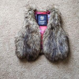 American eagle medium furr vest